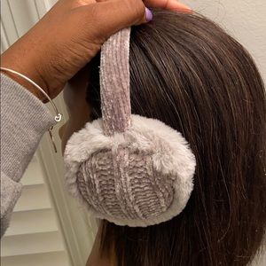 Accessories - Fuzzy earmuffs🥰